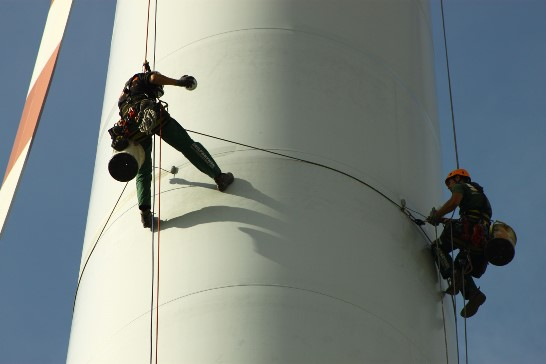 Traditional wind turbine rotor blade inspections involve the use of professional climbers. Photo courtesy of Seilpartner GmbH.